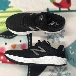 Mens New Balance Vongo Sneakers